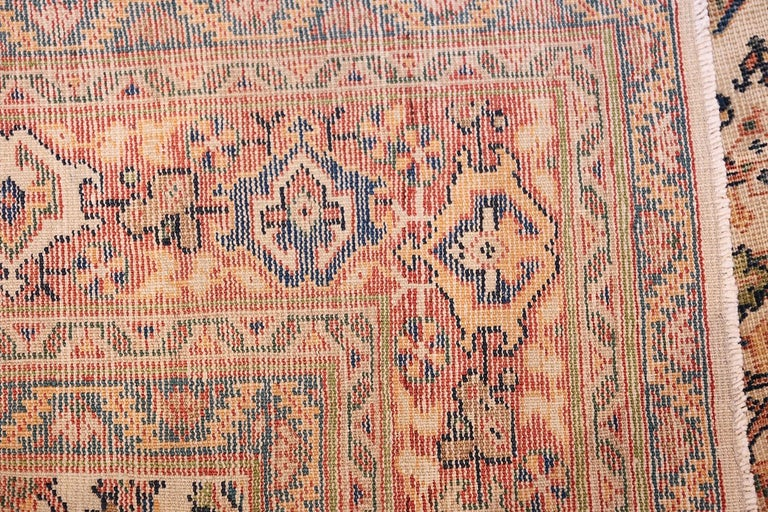 Antique Persian Sultanabad Carpet In Good Condition For Sale In New York, NY