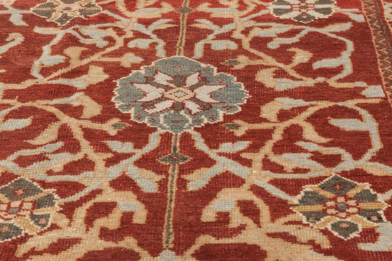 Antique Persian Sultanabad Red, White and Blue Handwoven Wool Rug In Good Condition For Sale In New York, NY