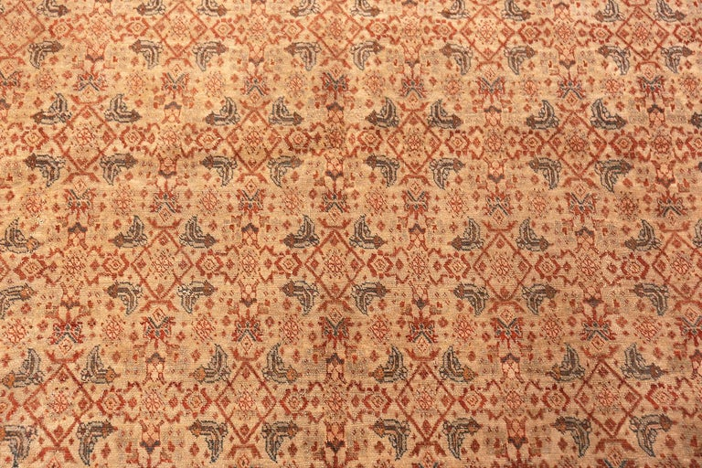 Beautiful antique Persian Tabriz rug, country of origin: Persia, date circa 1900, size: 8 ft. 2 in x 11 ft. 6 in (2.49 m x 3.51 m).