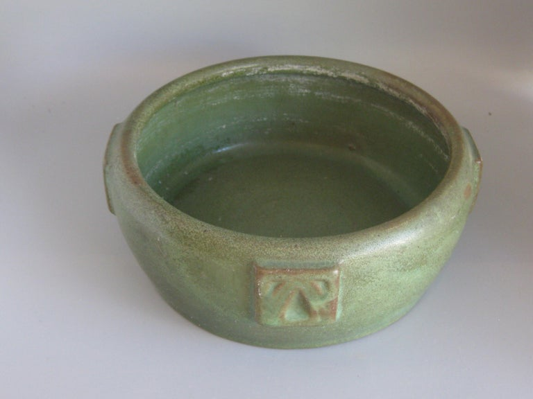 American Antique Peters & Reed Zanesville Arts & Crafts Matte Green Art Pottery Bowl Vase For Sale