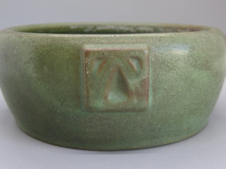 20th Century Antique Peters & Reed Zanesville Arts & Crafts Matte Green Art Pottery Bowl Vase For Sale
