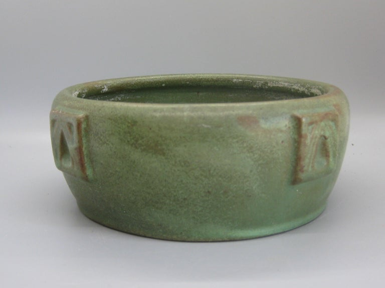 Antique Peters & Reed Zanesville Arts & Crafts Matte Green Art Pottery Bowl Vase For Sale 1
