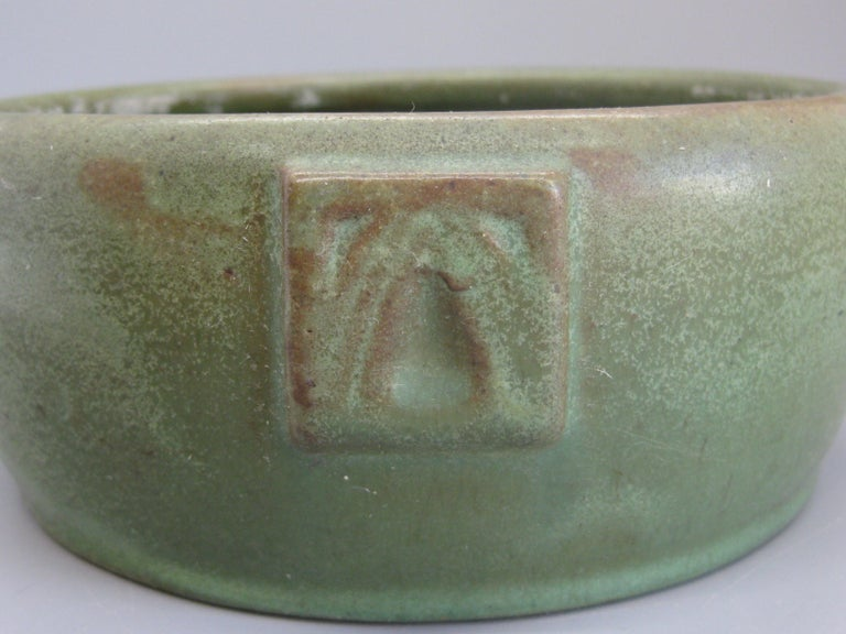 Antique Peters & Reed Zanesville Arts & Crafts Matte Green Art Pottery Bowl Vase For Sale 3