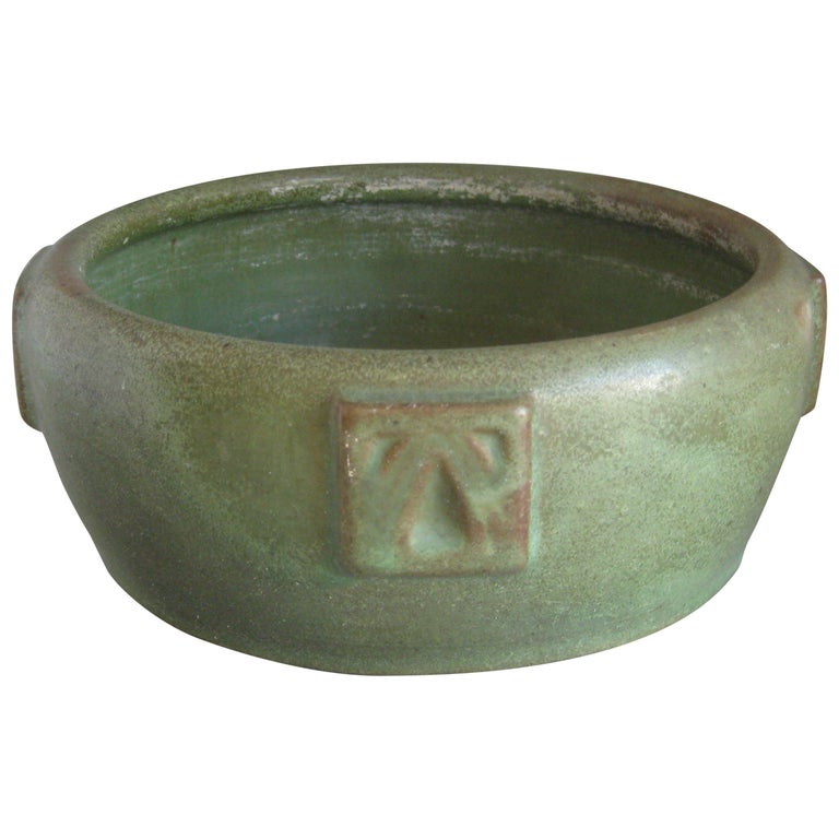 Antique Peters & Reed Zanesville Arts & Crafts Matte Green Art Pottery Bowl Vase For Sale