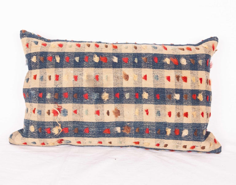 Pillow case made from an antique Anatolian Kilim. They do not come with inserts but i with a bag made to the size and out of cotton to accommodate the filling materials. The backing is made of linen. Please note 'filling is not provided'. Since the