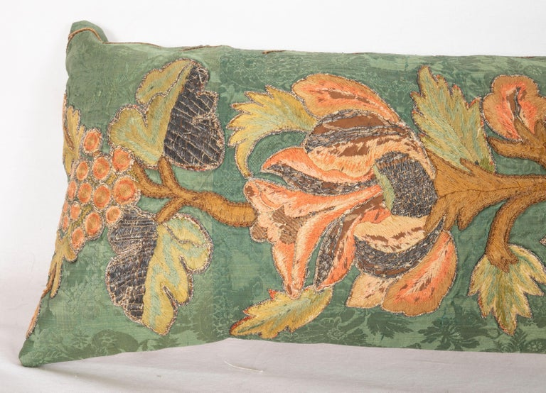 Antique Pillow Cases Fashioned from an Embroidered European Applique Panel In Fair Condition In Istanbul, TR