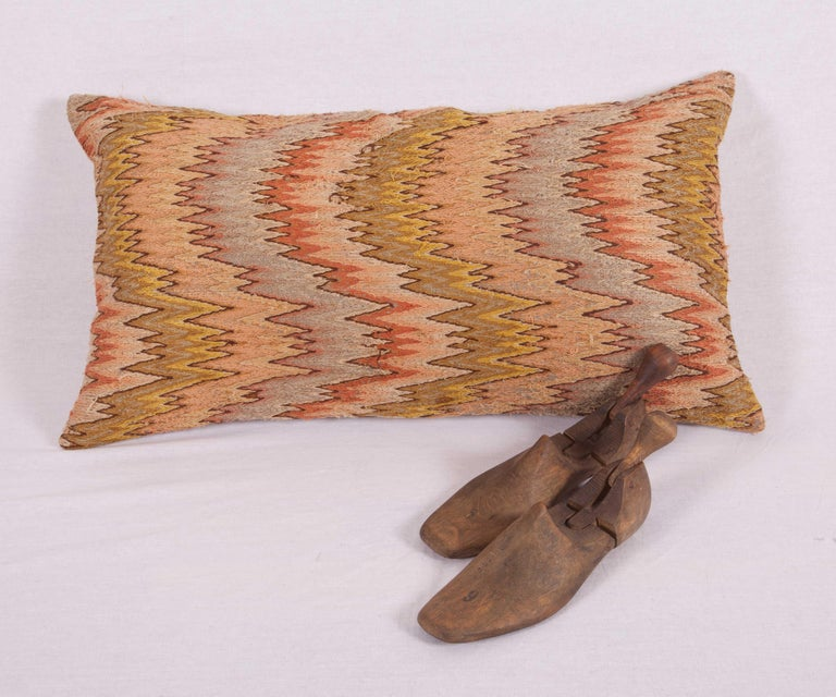 Antique Pillow Made from 18th-19th Century Italian Bargello Flame Stitch In Good Condition For Sale In Istanbul, TR