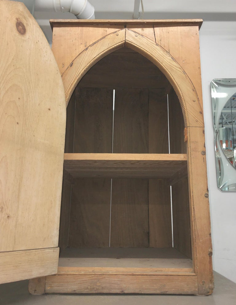 Gothic Cabinet in Knotted Pine For Sale 2