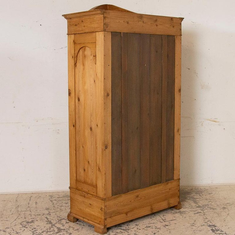 Antique Pine Single Door Armoire with Curved Panels In Good Condition For Sale In Round Top, TX
