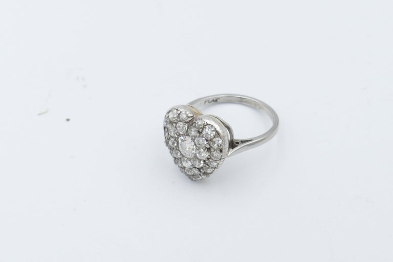 Antique Platinum and 18 Carat Yellow Gold Heart Shaped Diamond Ring In Good Condition For Sale In Splitter's Creek, NSW