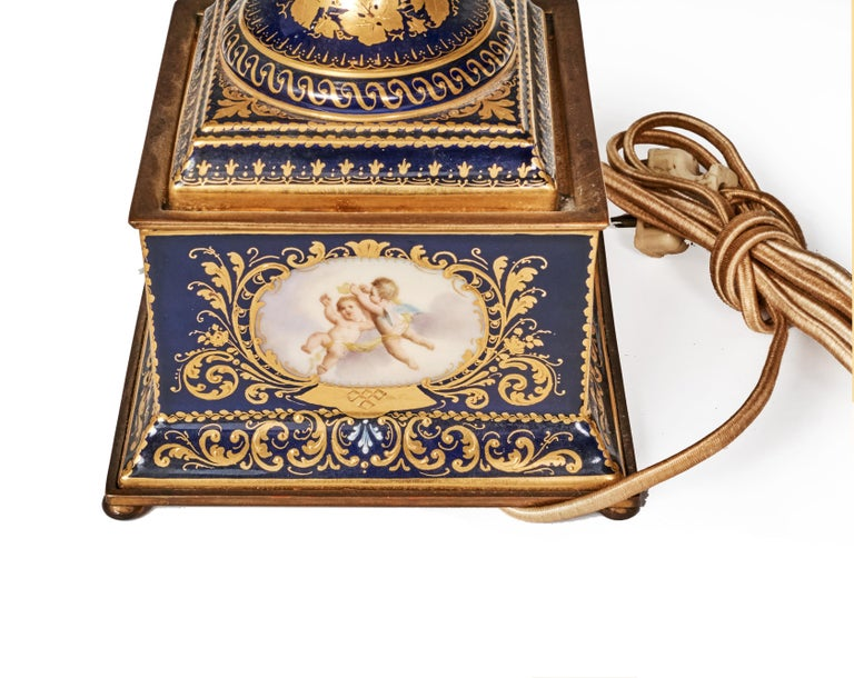 Antique Porcelain Royal Vienna Table Lamp Artist Signed For Sale 2