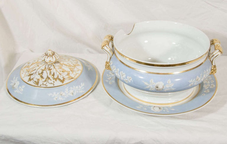 Antique Worcester Porcelain Soup Tureen Painted Baby Blue Circa 1820 For Sale 4