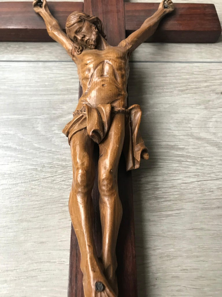 Arts and Crafts Antique Practical Size, Handcrafted Christ on Macassar Cross Home Wall Crucifix For Sale