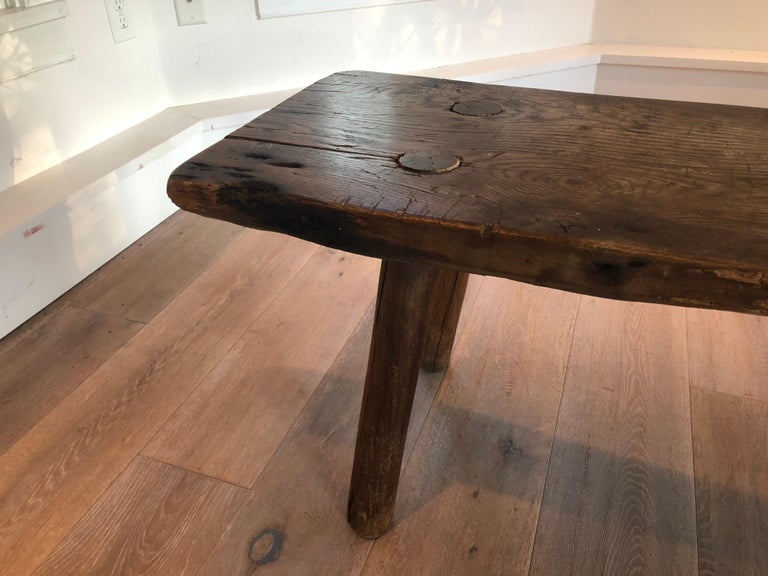 Antique Primitive Wood Bench In Distressed Condition For Sale In Stockton, NJ