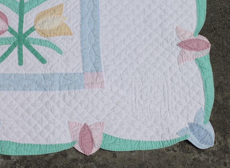 Country Antique Quilt 1940s Floral Pastel Quilt For Sale