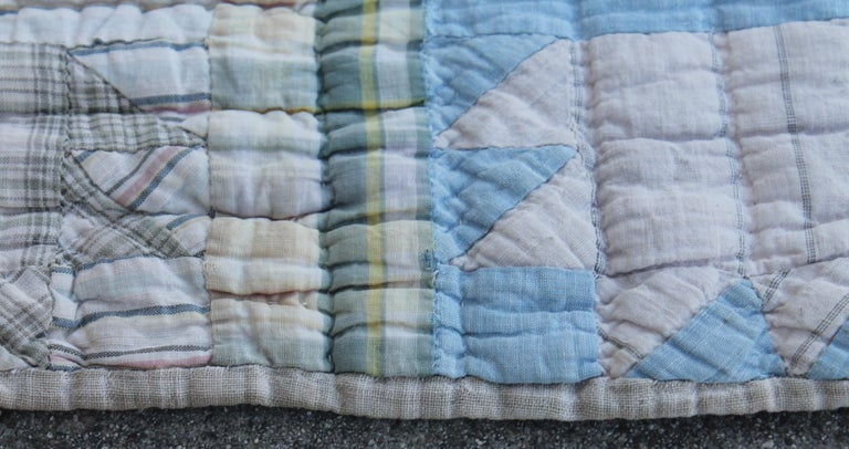 American Antique Quilt, Blue Bear Paw Pattern For Sale