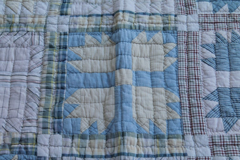 Antique Quilt, Blue Bear Paw Pattern In Good Condition For Sale In Los Angeles, CA