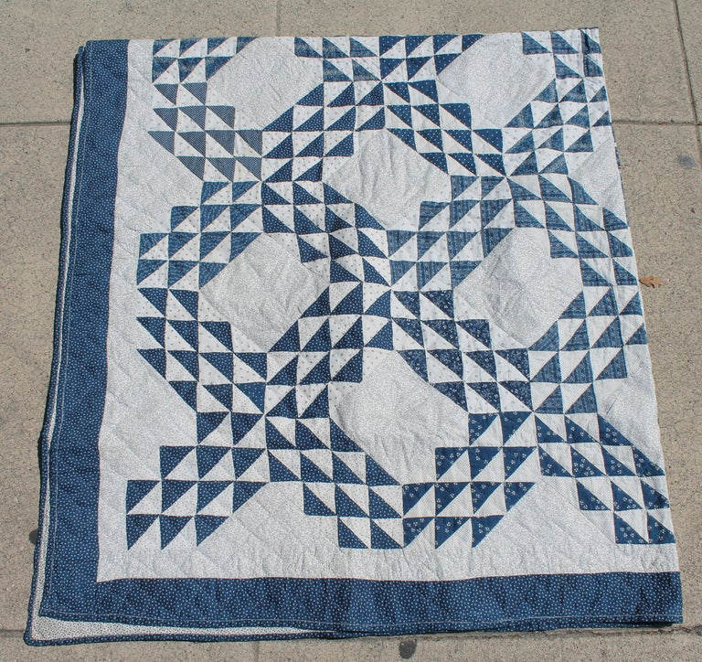 Country Antique Quilt Blue and White Ocean Waves Pattern For Sale