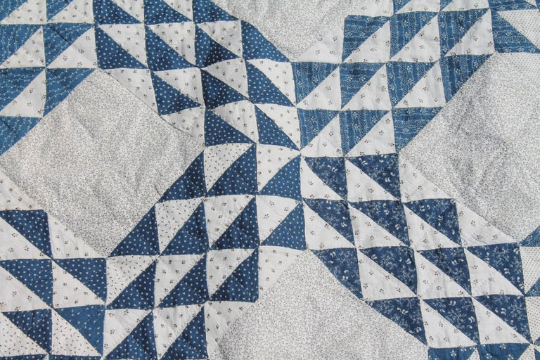 American Antique Quilt Blue and White Ocean Waves Pattern For Sale
