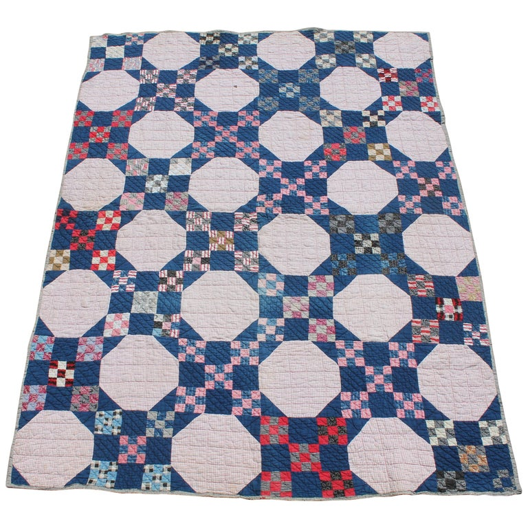 Antique  Quilt in Nine Patch Postage Stamp Pattern For Sale
