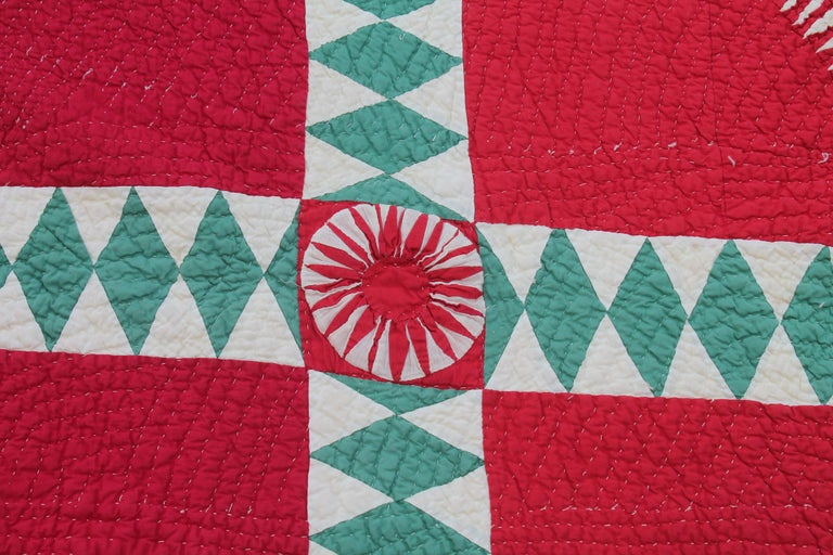Hand-Crafted Antique Quilt Red and Green New York Beauty For Sale