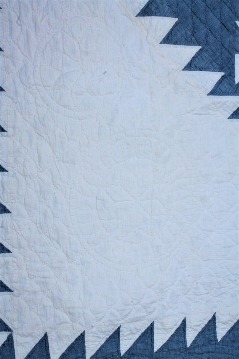 American Classical Antique Quilt-Saw Tooth Diamond in a Square Quilt For Sale