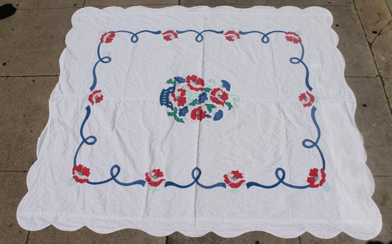 Adirondack Antique Quilt Summer Floral Applique For Sale