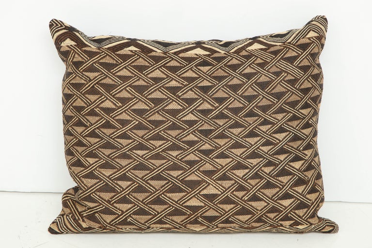 Antique Raffia Kuba Cloth Pillow In Good Condition For Sale In New York, NY