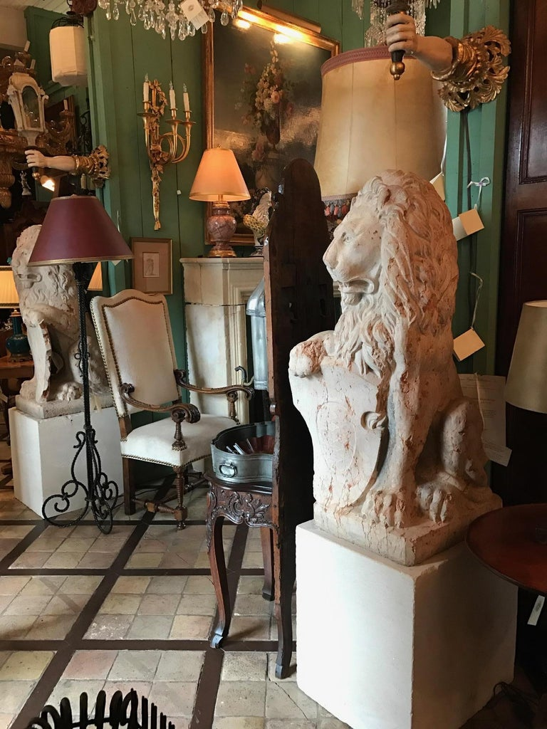 Antique Rare 18th Century Carved Marble Terracotta Figures of Regal Lions In Good Condition For Sale In West Hollywood, CA