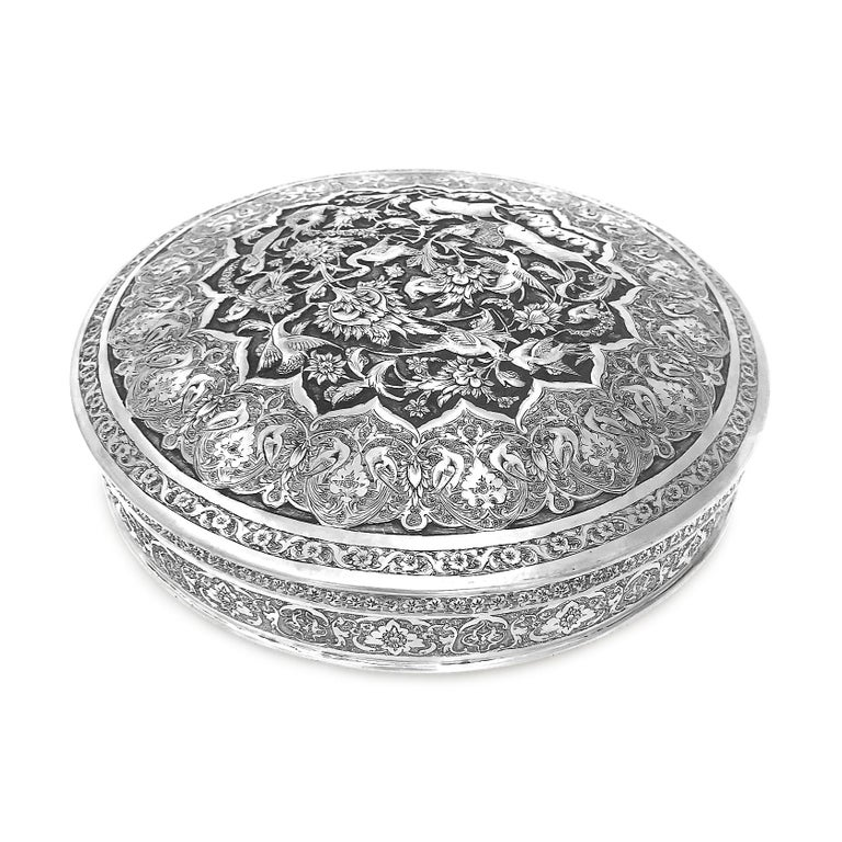 Antique Rare Piece Round Box, Handmade Persian Silver In Fair Condition For Sale In Jackson Heights, NY