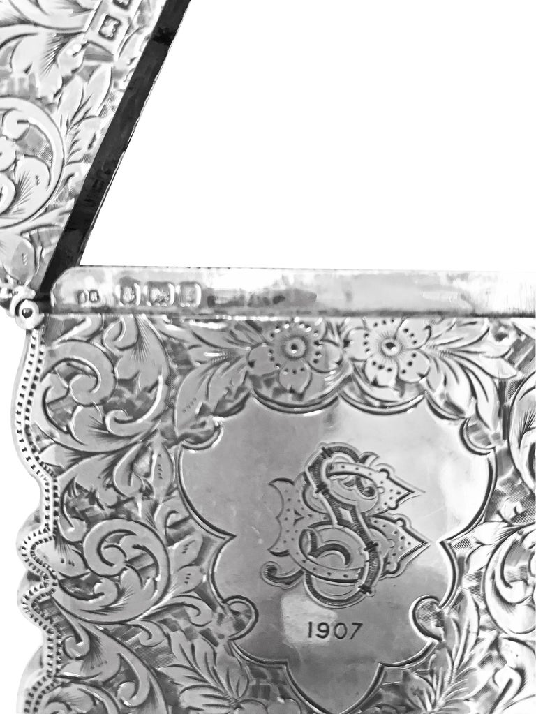 Antique Rectangle Cigarette Box All Hand Engraved, Sterling Silver, England In Fair Condition For Sale In Jackson Heights, NY