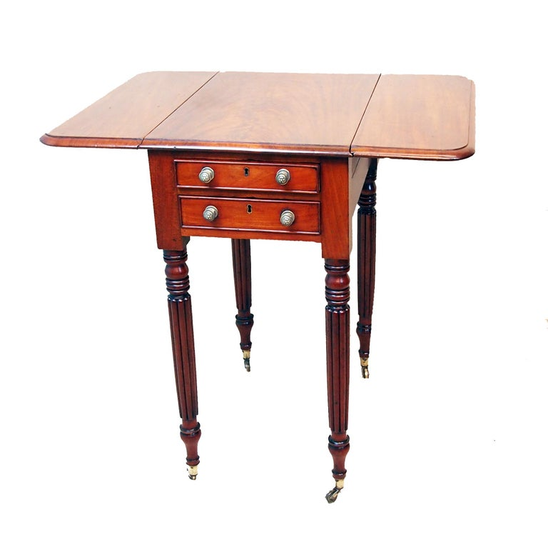 Antique Regency Mahogany Baby Pembroke Table In Good Condition For Sale In Bedfordshire, GB