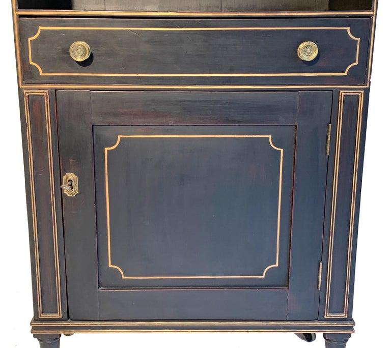 Antique Regency Open Bookcase Cabinet Beechwood, England, 1815 In Good Condition For Sale In Munich, DE