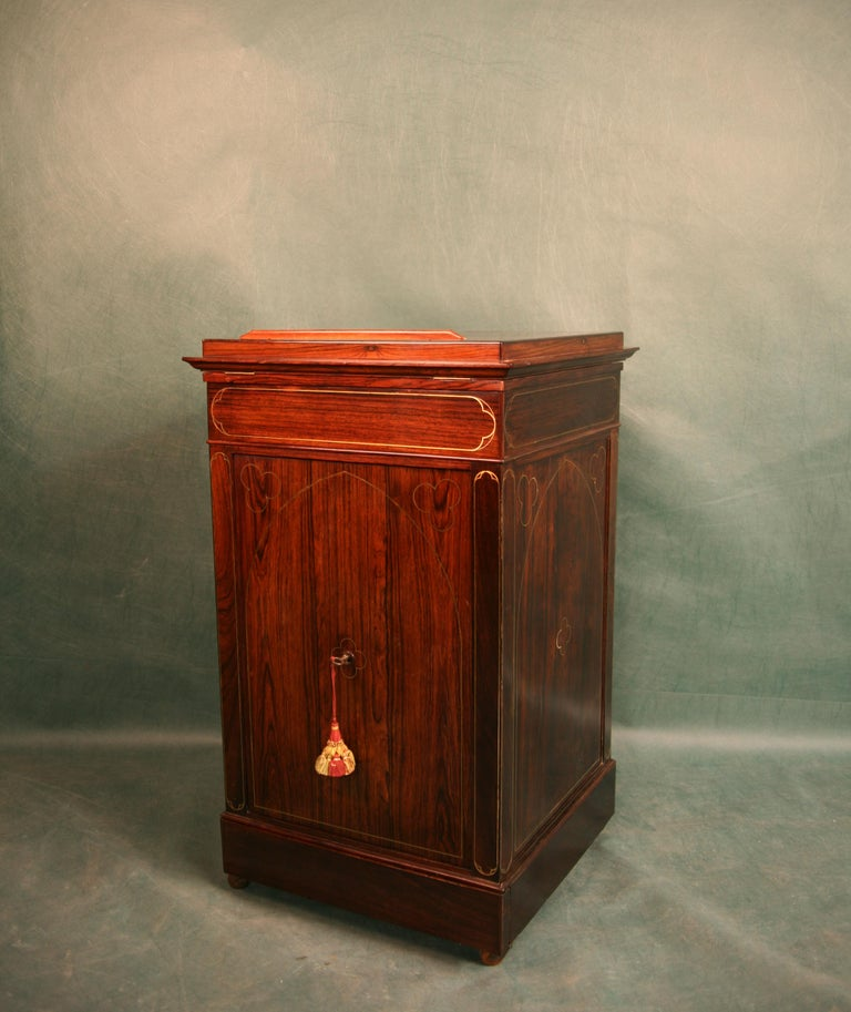 Antique Regency Rosewood Music Cabinet, circa 1820 In Good Condition For Sale In Glencarse, Perthshire