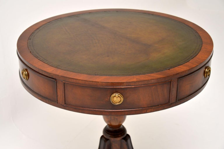 Antique Regency Style Mahogany and Leather Drum Table In Good Condition For Sale In London, GB