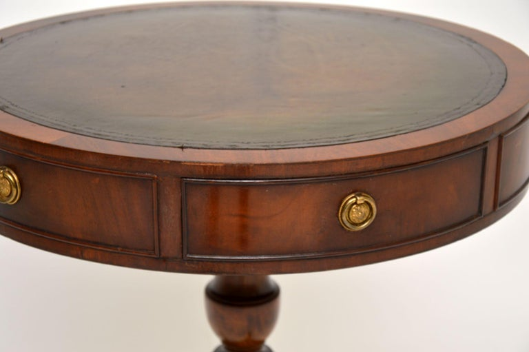 Antique Regency Style Mahogany and Leather Drum Table For Sale 2