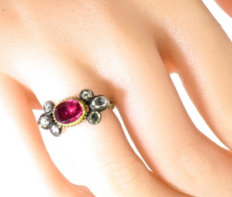 Antique Spinel, Gold and Silver Ring, circa 1750 For Sale 3