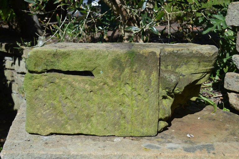 Antique Renaissance Style Carved Sandstone Corbel or Keystone In Good Condition For Sale In St Annes, Lancashire