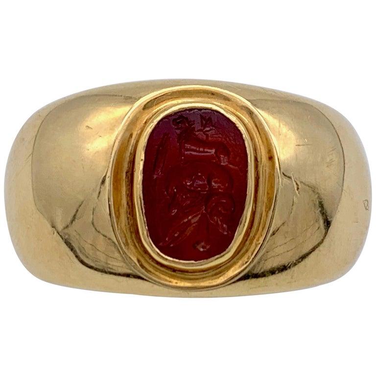 Antique Roman Republic Agate Intaglio Gents Ring Victorian 15 Karat Gold Mount For Sale