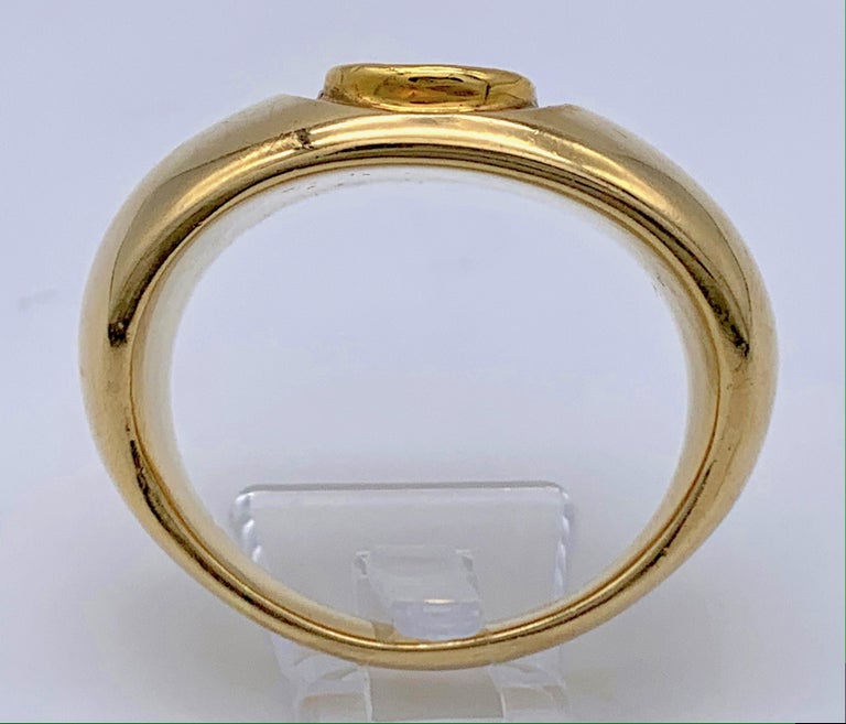 Antique Roman Republic Agate Intaglio Gents Ring Victorian 15 Karat Gold Mount In Good Condition For Sale In Munich, Bavaria