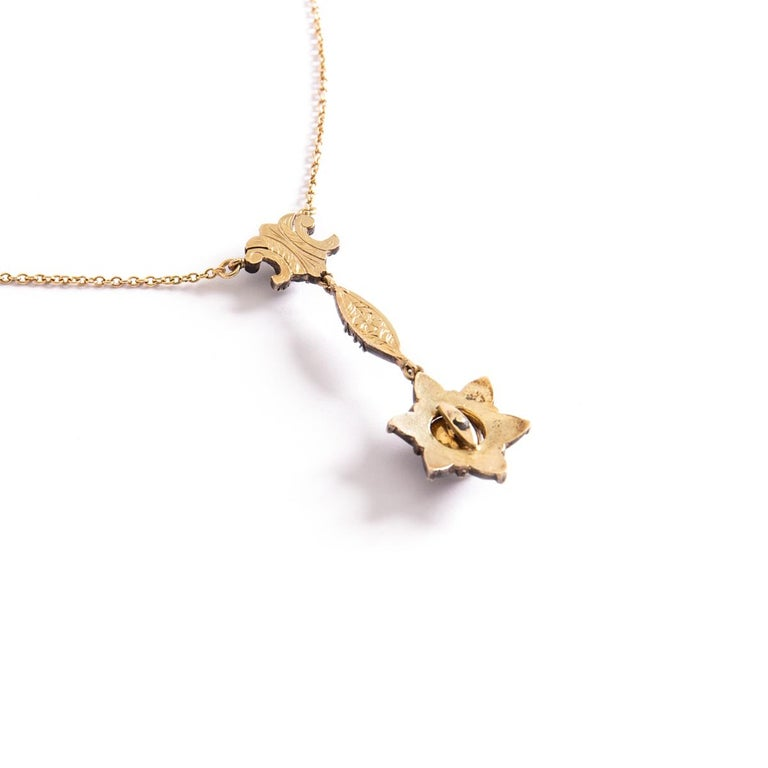 Antique Rose Cut Diamond Star Necklace In Excellent Condition For Sale In Geneva, CH