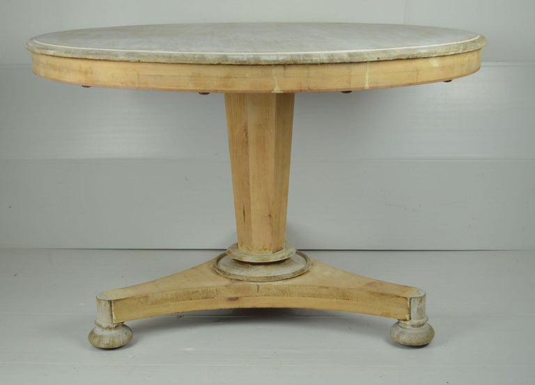 English Antique Round Bleached Mahogany and Pine Breakfast Table For Sale