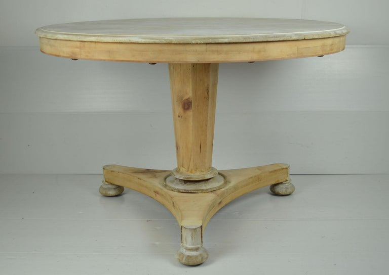 Antique Round Bleached Mahogany and Pine Breakfast Table In Good Condition For Sale In St Annes, Lancashire
