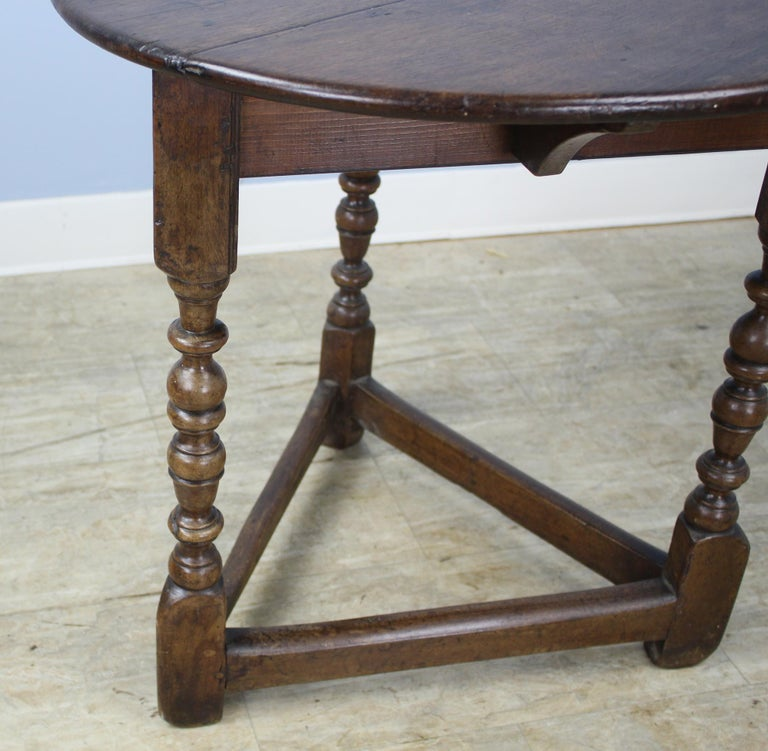 Antique Round English Oak Lamp or Cricket Table For Sale 1
