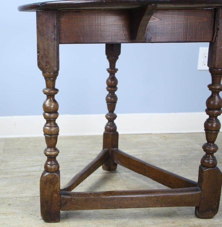 Antique Round English Oak Lamp or Cricket Table For Sale 2