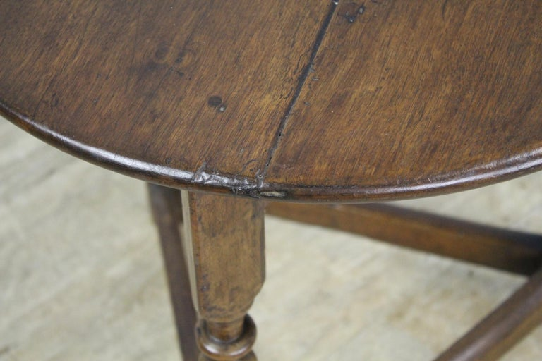 Antique Round English Oak Lamp or Cricket Table For Sale 4