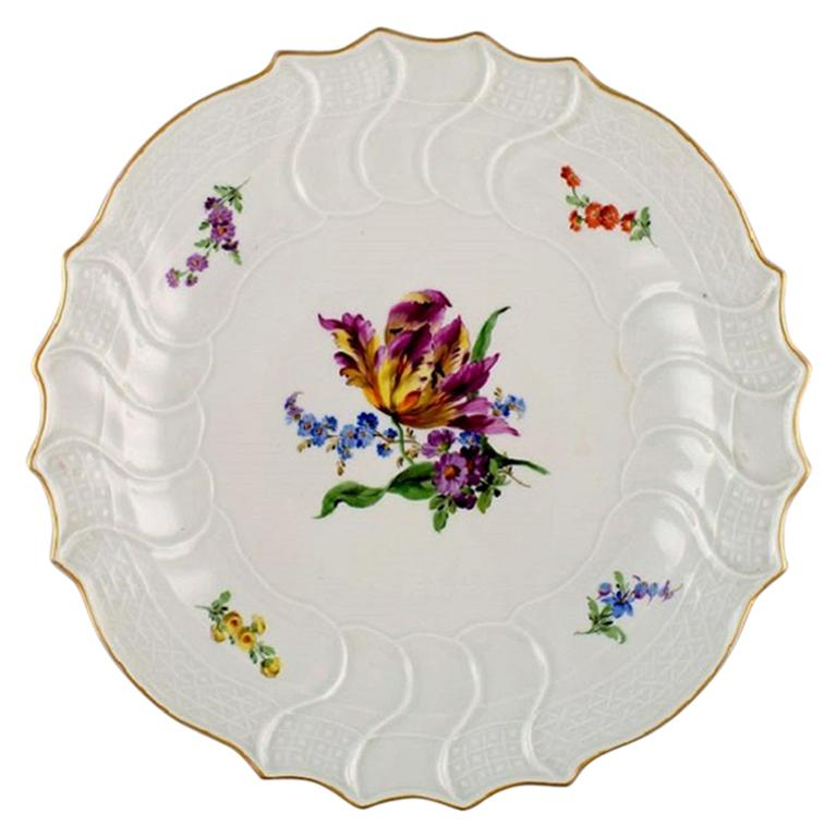Antique Round Meissen Dish in Hand Painted Porcelain with Floral Motifs