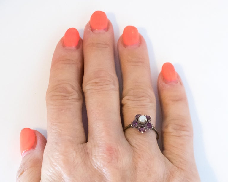 Antique Ruby and Pearl 18 Karat Yellow Gold Floral Ring For Sale 2