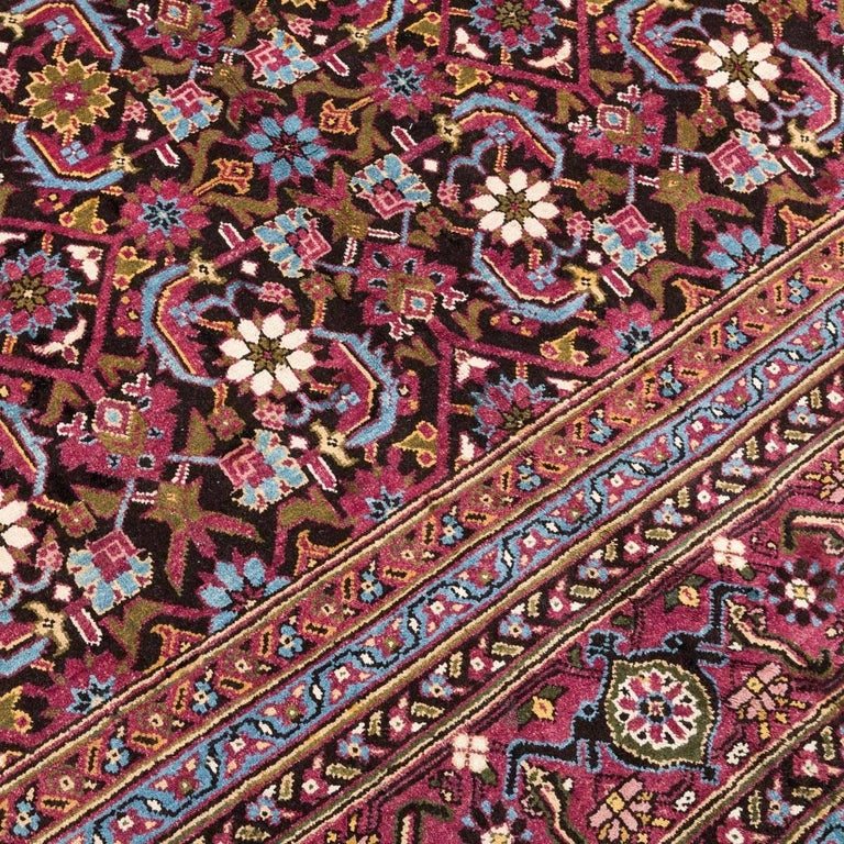 Antique Rug, Agra from India Design of Palmettes, circa 1900 In Excellent Condition For Sale In MADRID, ES