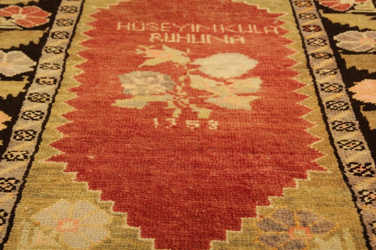 Antique Rugs Yellow Turkish Rug Carpet, Living Room Rug Home Decor from Milas In Excellent Condition For Sale In Hampshire, SO51 8BY